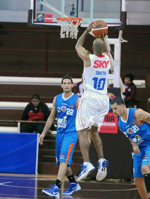basquete Pinheiros x Mavort (Foto: Marcelo Figueras / FIBA)