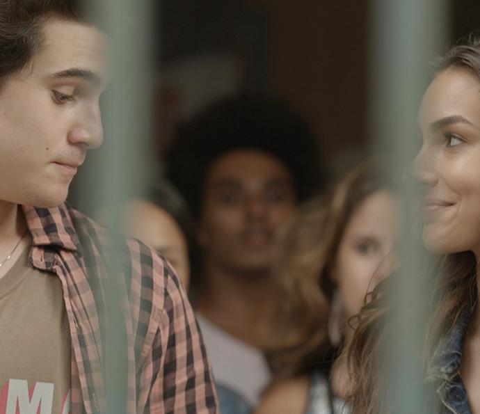 Rodrigo fica ao lado de Luciana (Foto: TV Globo)