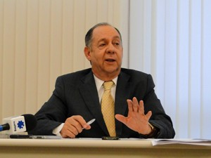 Reitor afirmou que Lei de Cotas traz soluções temporárias. (Foto: Pedro Cunha/G1)
