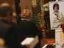 Amigos e familiares vão à missa de sétimo dia de Cauby Peixoto