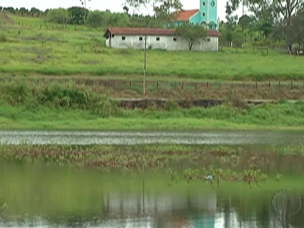 Sistema do Rio Jundiaí, em Taiaçupeba, distrito de Mogi das Cruzes (Foto: Reprodução/ TV Diário)