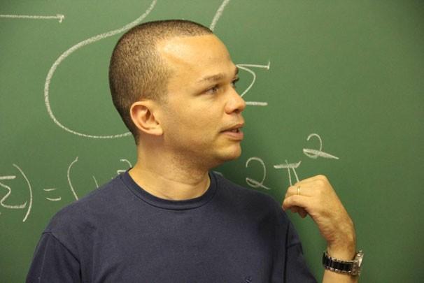 O matemático é um dos candidatos a receber a medalha Fields (Foto: Globo/Letícia Castro)