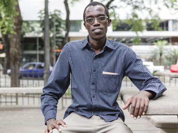 Egide, do Burundi, diz que antes de chegar no Brasil não se preocupava com preconceito (Foto: Gringo)