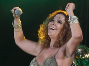 """Irah Caldeira homeangeou o Rei do Baião cantando """"Sanfoninha choradeira"""" (Foto: Luna Markman/G1)"""