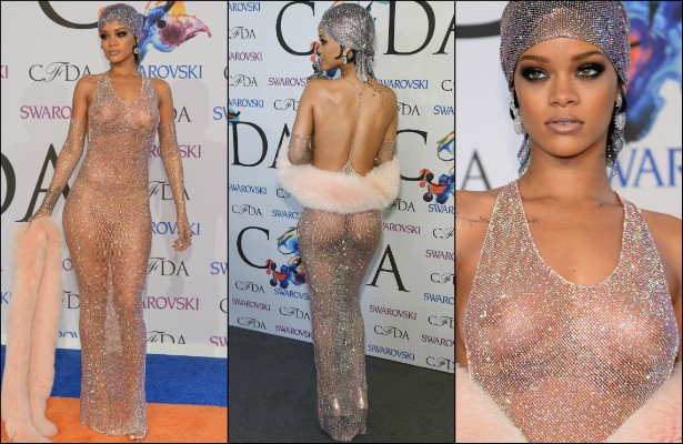 """Já no mês seguinte, junho, durante o CFDA Fashion Awards, Rihanna usou um modelo que levou o conceito de """"nude"""" a um novo patamar. O vestido a deixou coberta apenas com brilhantes sobre seu corpo praticamente nu. (Foto: Getty Images)"""
