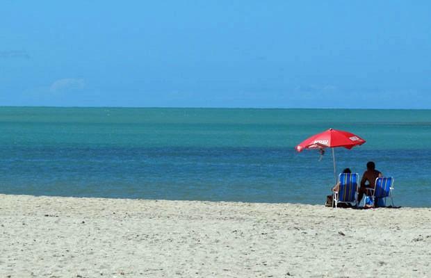 Areia usada na engorda é trazida de uma jazida em alto-mar (Foto: Luna Markman / G1)