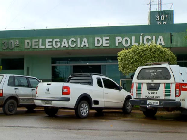 Fachada da 30ª Delegacia de Polícia (São Sebastião), no Distrito Federal (Foto: TV Globo/Reprodução)