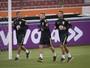 Cazares, Carioca e Erazo ampliam lista de baixas para jogo contra Corinthians