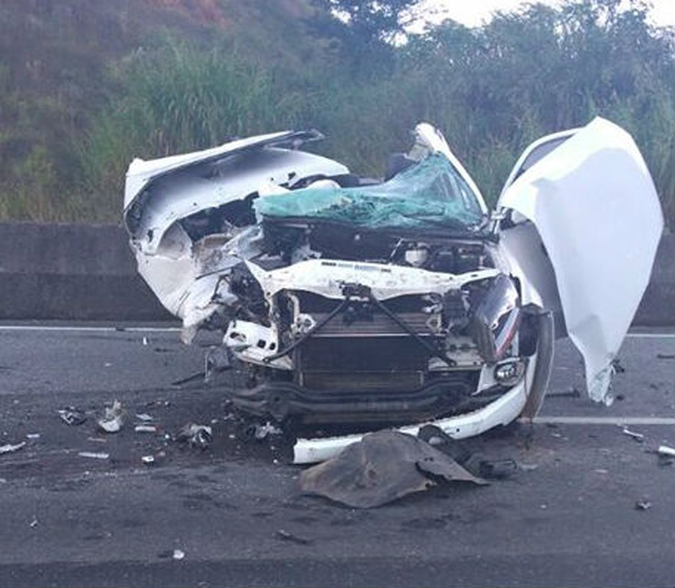 Acidente na BR-040 em MG (Foto: PRF/Divulgação)