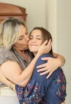 Heloísa Périssé e Maria Clara Gueiros atuam com os filhos em novo seriado