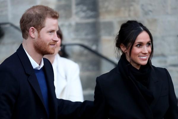 Embora poucos visíveis, traços da perda de cabelo já aparecem no príncipe  (Foto: Getty Images)