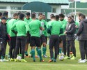Sem Kleber e Kazim, Coritiba realiza treino tático de olho no Grêmio
