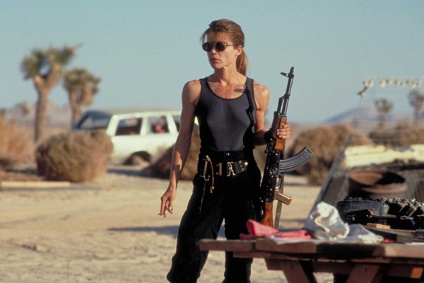 Linda Hamilton no papel de Sarah Connor (Foto: Reprodução)