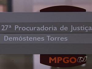 Placa com nome de Demóstenes Torres no Ministério Público (Foto: Reprodução/TV Anhanguera)
