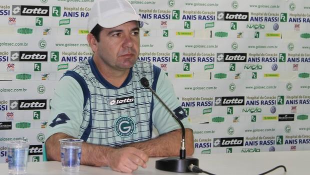 Enderson Moreira, técnico do Goiás (Foto: Fernando Vasconcelos / Globoesporte.com)