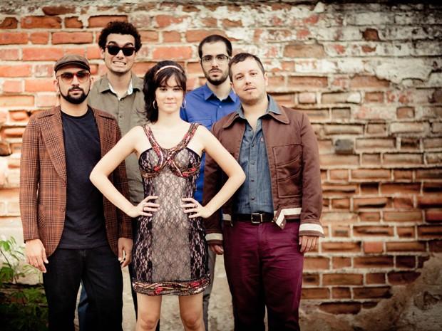 Bande Dessinée apresenta músicas do seu próximo disco (Foto: Louise Vas/ Divulgação)