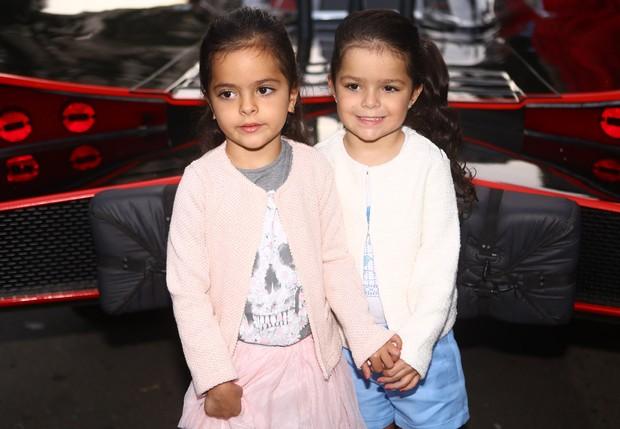 Helena e Isabela, Filhas de Luciano Camargo (Foto: Iwi Onodera / Ego)