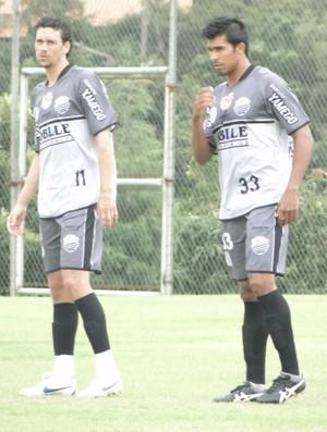 Gustavos Bastos e Mirita, zagueiros do Comercial (Foto: Paulo Bahia / Comercial FC)