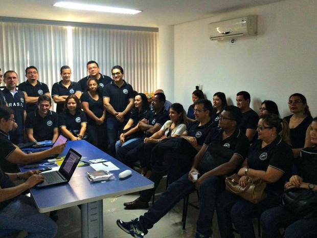 Servidores se reuniram em assembleia na delegacia sindical em Manaus (Foto: Divulgação/Sindireceita-AM)
