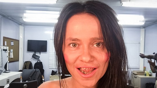 Vivianne Pasmanter se transforma e revela fase desencanada: 'Não sou supervaidosa'