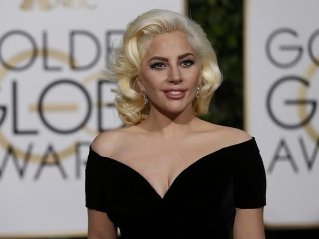 Lady Gaga chega ao tapete vermelho do Globo de Ouro 2016 (Foto:  REUTERS/Mario Anzuoni)