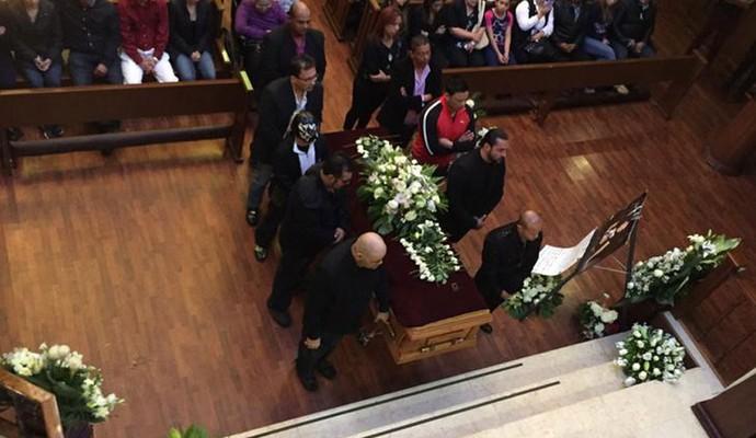 Enterro Perro Aguayo (Foto: Reprodução / Twitter)