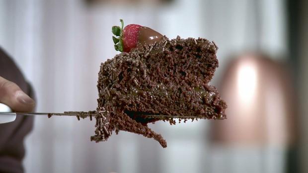 'Cozinheiros em Ao' - Segunda temporada - Episdio 06 - Bolo de chocolate - Nilza (Foto: Reproduo / GNT)
