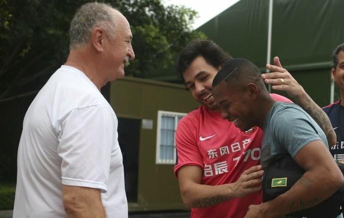 Robinho Felipão Ricardo Goulart Guanzhou Evergrande (Foto: Reprodução / Sina.com)