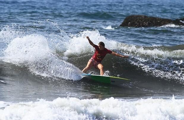 Jaqueline Silva  a atual campe brasileira de surfe (Foto: Divulgao/Abrasp)