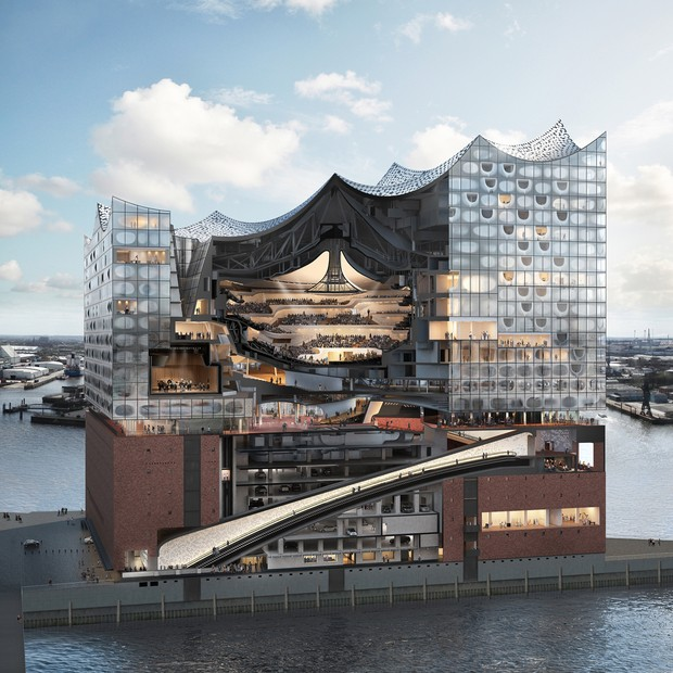A cross-section of Hamburg's new concert hall, the Elbphilharmonie, designed by Herzog & de Meuron. Chanel staged its Métiers d'Art 2017-2018 collection here, accompanied by a chamber orchestra (Foto: INDIGITAL.TV)