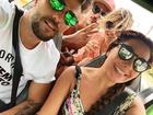 Giovanna Ewbank, Bruno Gagliasso e Fabíula Nascimento curtem Noronha