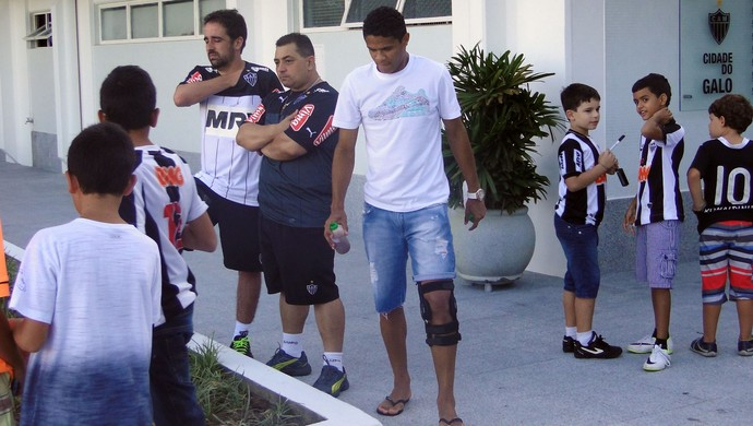 Douglas Santos, lateral do Atlético-MG (Foto: Fernando Martins )