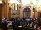 Missa no Rio reúne familiares e amigos de Chico Anysio
