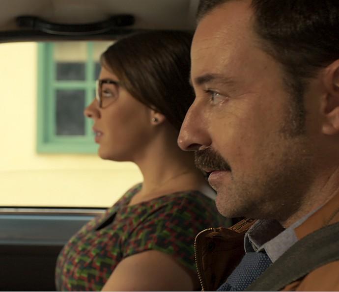 Damasceno e Elisa chegam a Arraial do Sol Nascente (Foto: TV Globo)