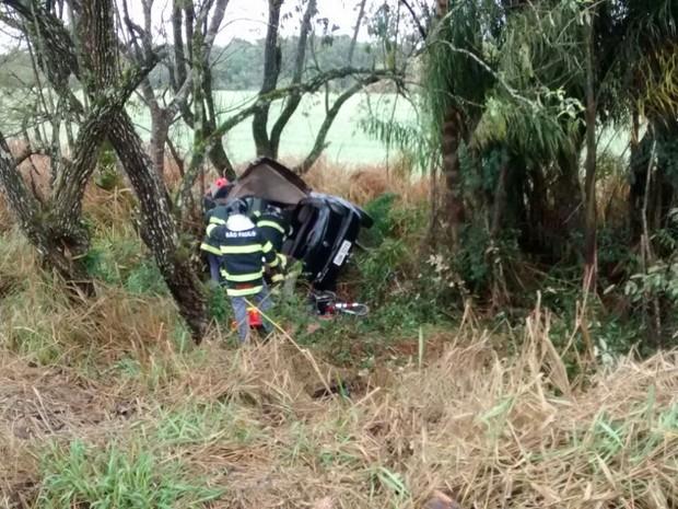 Vítima não resistiu aos ferimentos e morreu no local do acidente (Foto: Divulgação/Polícia Militar Rodoviária)