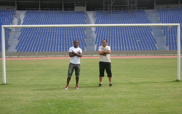 Mimica e Rodrigo Ramos são dois dos responsáveis pela boa fase do Sampaio (Foto: Zeca Soares)