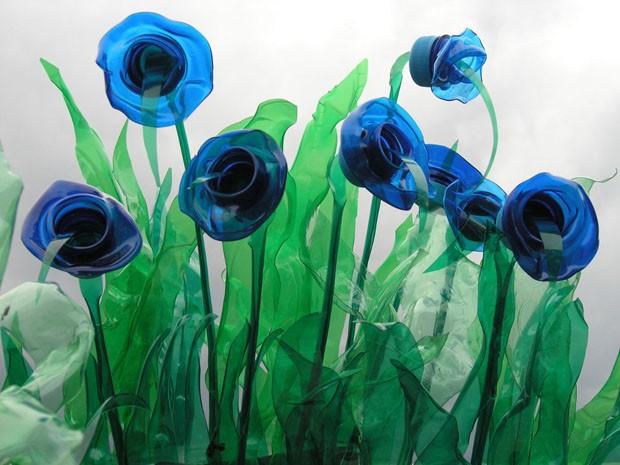 """Patrícia França: """"Na minha casa ideal, teria uma peça de Brunno Jahara"""" (Foto: © www.brunnojahara.com e www.ve)"""