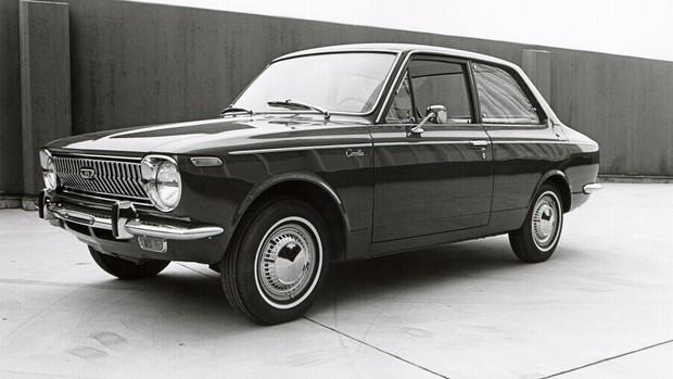 Relembre o Corolla dos anos 60 até hoje
