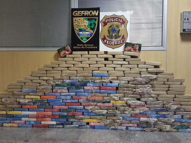 Durante as investigações os policiais federais apreenderam 274 kg de cocaína em Mato Grosso (Foto: Assessoria/Polícia Federal de MT)