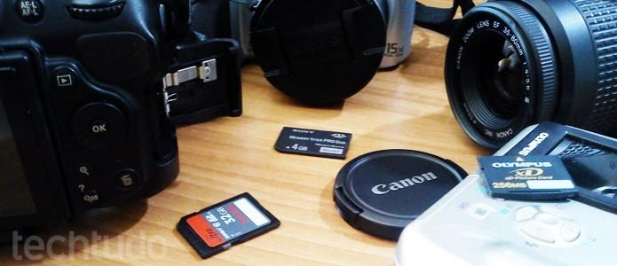 Veja se os cartões possuem programas feitos em parceria com a fabricante da câmera (Foto: Adriano Hamaguchi/TechTudo) (Foto: Veja se os cartões possuem programas feitos em parceria com a fabricante da câmera (Foto: Adriano Hamaguchi/TechTudo))