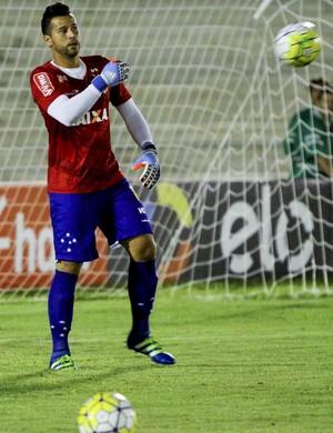Fábio Cruzeiro na partida contra a Chapecoense (Foto: Leonardo Silva / Light Press)