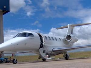 Phenom 300 da Embraer (Foto: Reprodução / TV Vanguarda)