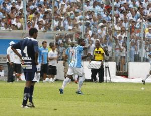 João Neto já tem dois gols e é o artilheiro do Parazão 2013 (Foto: Marcelo Seabra/O Liberal)