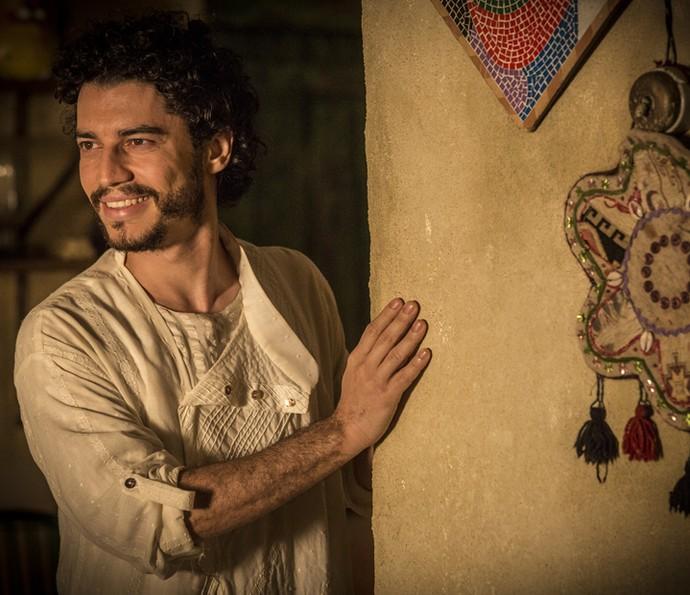 Lee Taylor comenta os rumos de seu personagem em 'Velho Chico' (Foto: Inácio Moraes/ Gshow)