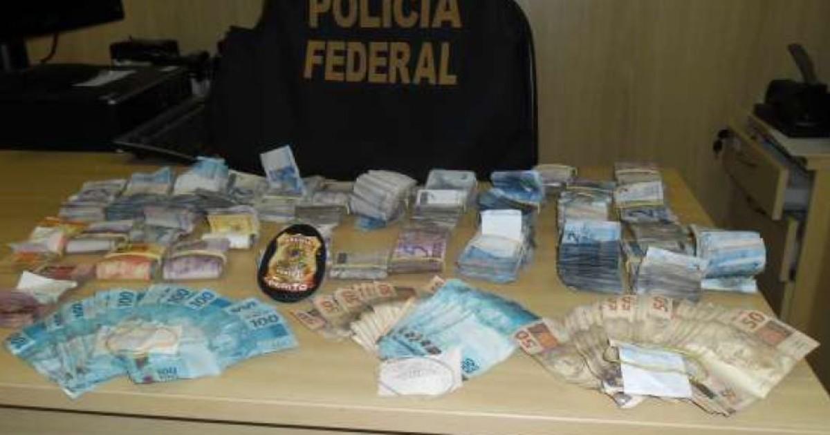 Polícia encontra mais de R$ 17 mil em painel de carro apreendido ... - Globo.com