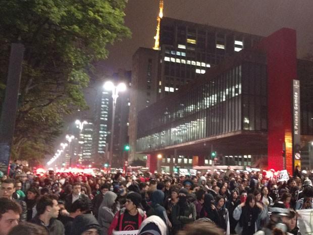 Estudantes protestam na Avenida Paulista contra a reforma na educação anunciada pelo governo federal  (Foto: Karina Trevisan/G1)
