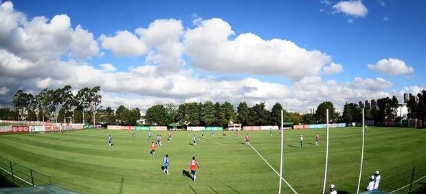 Academia de Futebol Palmeiras Treino Grupo (Foto: Marcos Ribolli / Globoesporte.com)