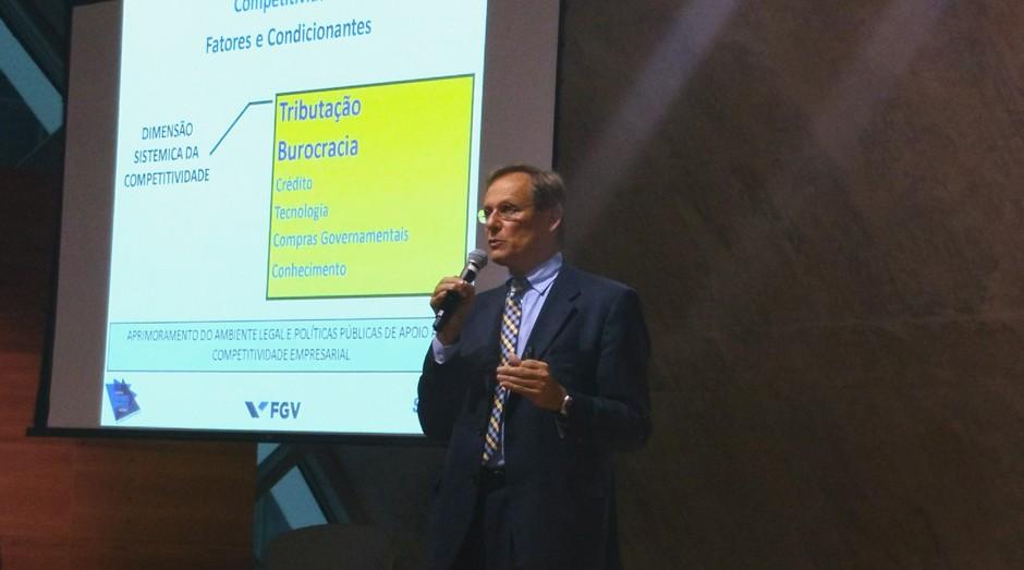 Bruno Quick Lourenço, gerente de políticas públicas do Sebrae, durante seminário no RJ (Foto: Adriano Lira)