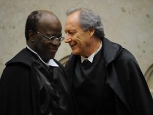 O Ministro Joaquim Barbosa é empossado como presidente do Superior Tribunal Federal  e Ricardo Lewandowski, seu vice, durante cerimônia realizada no plenário do STF, em Brasília. (Foto: Pedro Ladeira/Frame/Estadão Conteúdo)