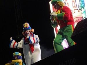 Tarde de domingo foi especial para as crianças na Expomontes com o show de Patati e Patata. (Foto: Gutemberg Brilhante)
